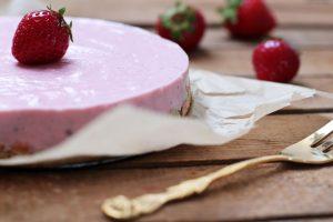 No Bake Strawberry Cheesecake Kuchen zuckerfrei gesund Foodrevers