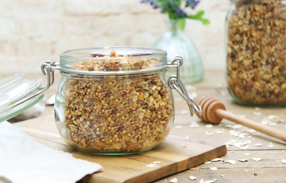 Clean Eating Kokosgranola gesund zuckerfrei Foodrevers Frühstück