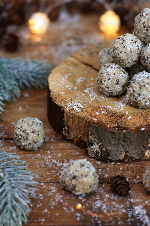Weihnachtskugeln Energyballs Clean Eating Foodrevers Schneebälle