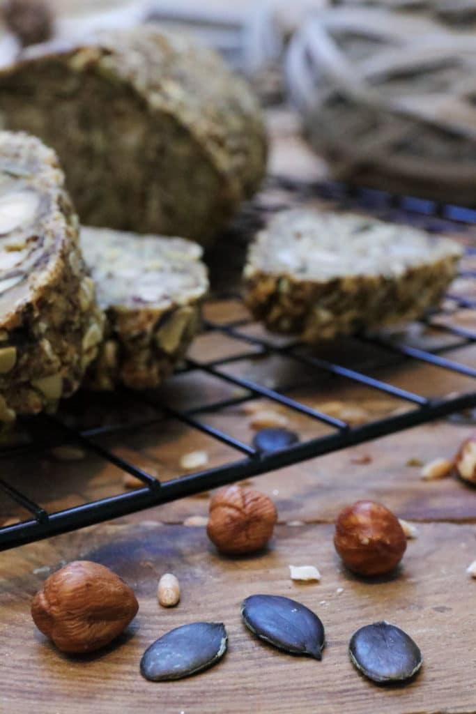 Brot ohne Mehl und ohne Hefe glutenfrei backen Clean Eating Foodrevers gesund zuckerfrei