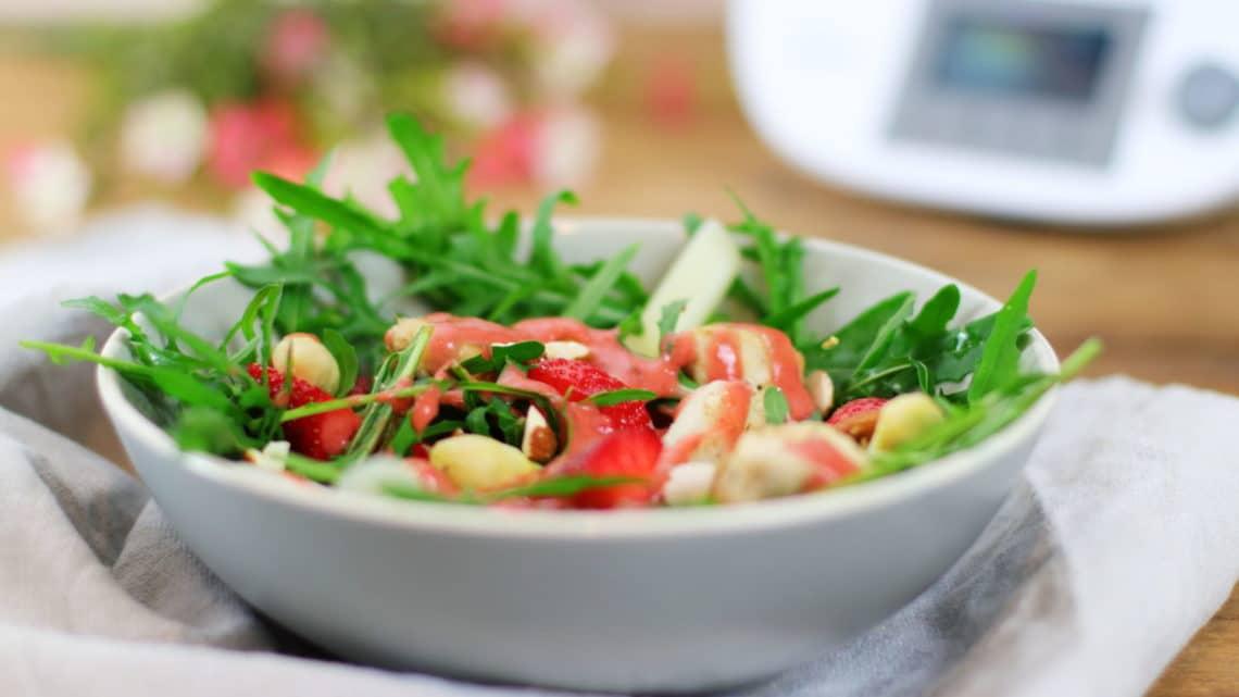 Erdbeer Spargel Salat mit Hähnchen gesund zuckerfrei Clean Eating Thermomix